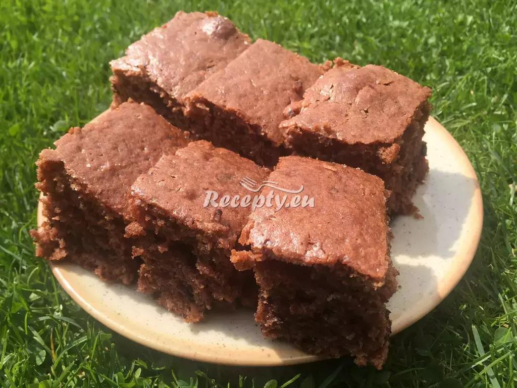 Rumové brownies s rozinkami Dity P. recept  moučníky