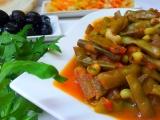 Vigna čínská (lusky) na oleji a rajčatech recept