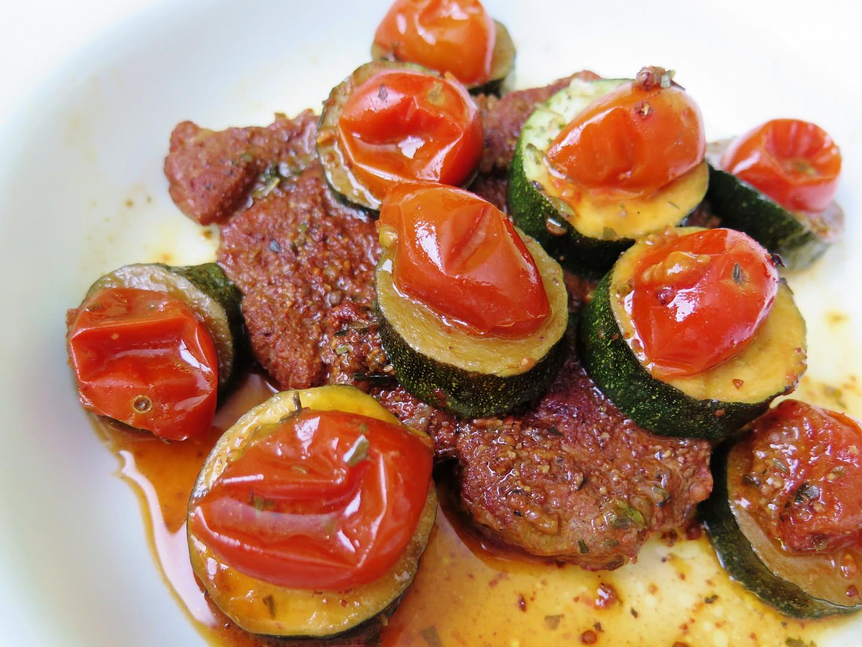 Krkovička s cuketou a rajčátky recept