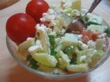 Zeleninový salát s cottage a bazalkovým pestem recept ...