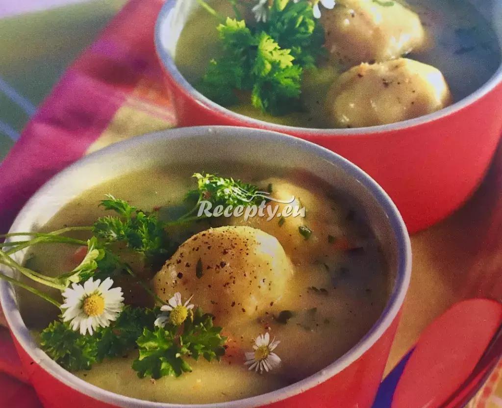 Sváteční polévka se sýrovými knedlíčky recept  slavnostní pokrmy ...