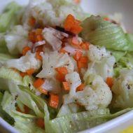 Pikantní květákový salát recept