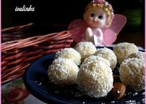Avokádovo-kokosové kuličky s proteinem recept