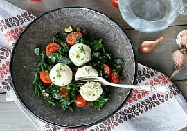 Ricottové knedlíčky s pažitkou a teplým špenátovým salátem recept ...