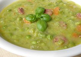 Hrášková polévka se zeleninou a bazalkou recept
