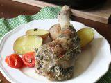 Pečená kuřecí stehna plněná kopřivovo-mandlovou nádivkou recept ...