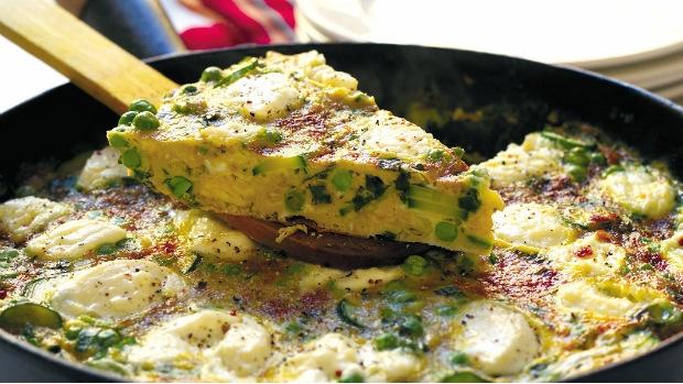 Frittata s hráškem, mátou a kozím sýrem