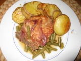 Vepřová kotleta s fazolkami a cibulí recept