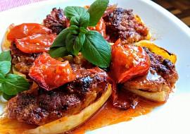 Pečené papriky s mletým masem, uzeným tofu a bylinkami recept ...