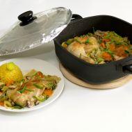 Kuřecí čtvrtky na zelenině pečené v titanovém hrnci recept