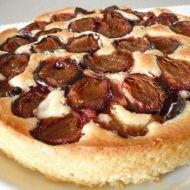 Třený koláč se švestkami recept