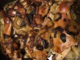 Králík na cibuli s tymiánem recept