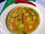 Zeleninová polévka s červenou čočkou a zázvorem recept ...