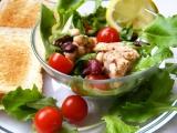 Fazolový salát s tuňákem a rukolou recept