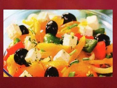 Večeře 60  Salát s halloumi a olivami