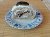 Makovo mandlová roláda s tvarohem a švestkami recept ...