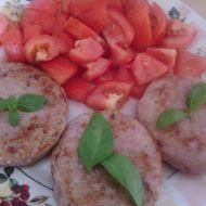 Kuřecí hamburger s bazalkovým pestem recept