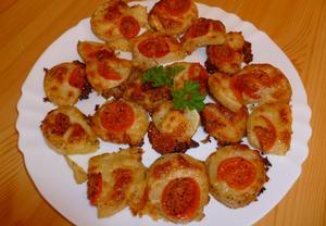 Zapečené brambory s mozzarellou a rajčaty