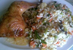 Pečené kuřecí se zeleninovou rýží