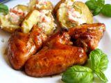 Kuřecí křídla v pivní marinádě, nové brambory s hermelínovo ...