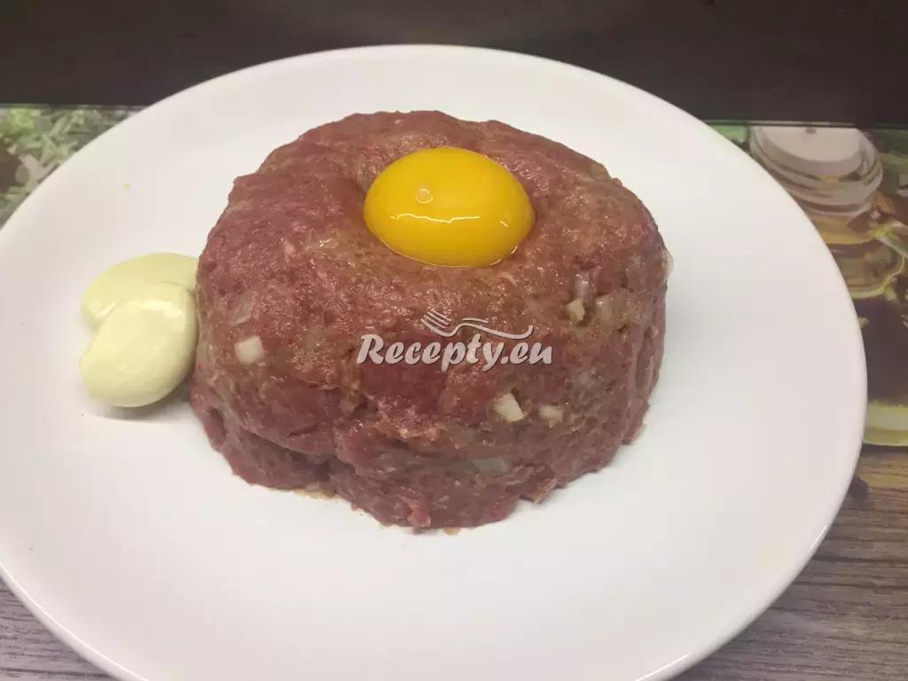Domácí jednochuchý tatarák recept  slavnostní pokrmy