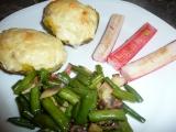 Plněné brambory s krabími tyčinkami a fazolkami recept ...