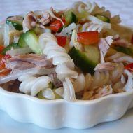 Salát z rýžových těstovin se zeleninou recept