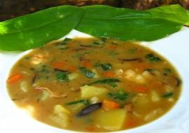 Bramborová polévka s medvědím česnekem recept