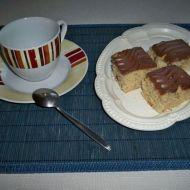 Jablečné řezy s čokoládou recept
