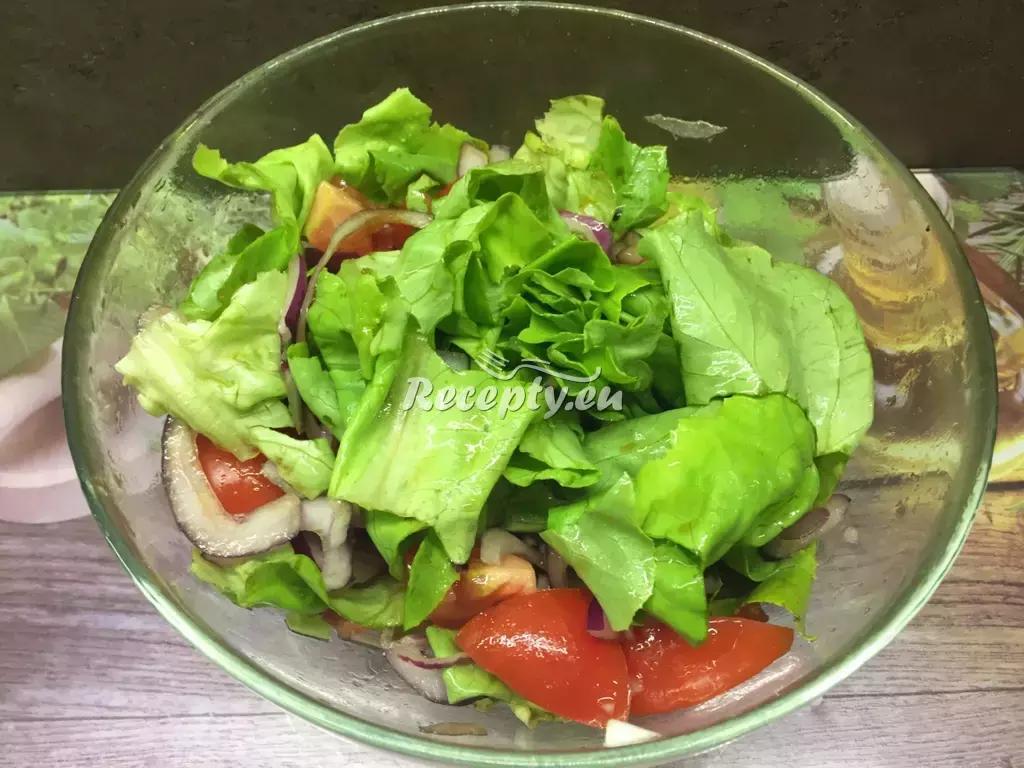 Zeleninový salát s cizrnou recept  saláty