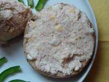 Česnekovo-sýrovo-salámová pomazánka recept