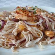 Kuřecí prsa s rýžovými nudlemi recept