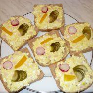 Vaječná pomazánka se šunkou a bylinkami recept