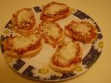 Zapečené chlebíčky se sýrem recept