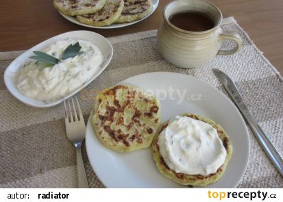 Tvarohová pomazánka s libečkem a česnekem recept