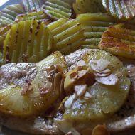 Kuřecí s ananasem a mandlemi recept