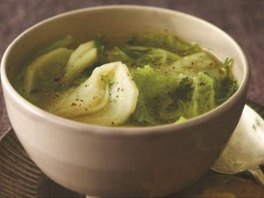 Kapustová polévka domácí