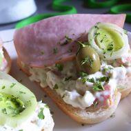 Chlebíčky s lučinovým salátem recept