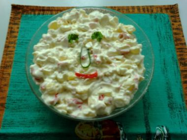 Surimi salát s ananasem