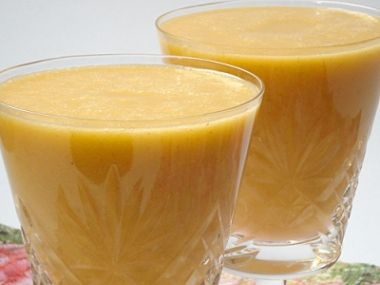 Meruňkový mléčný koktejl