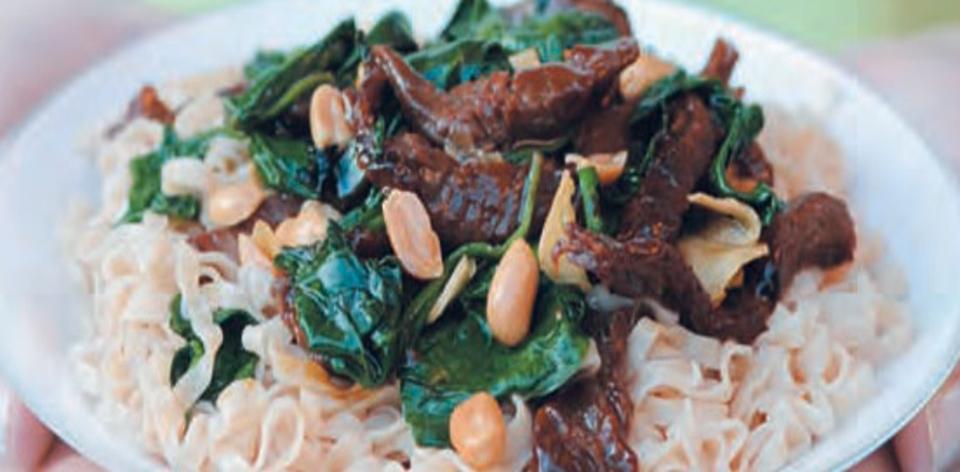 Hovězí se špenátem na čínský způsob