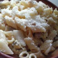 Těstoviny s kuřecím, vejcem a smetanou recept