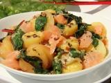 Bramborový salát s mangoldem a lososem recept
