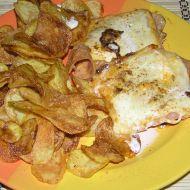 Kuřecí se šunkou, sýrem a chipsy recept