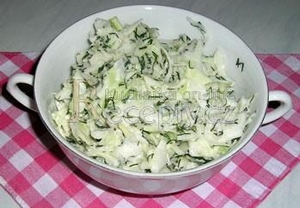 Zelný salát s koprem