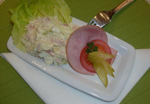 Květákový salát s bramborami