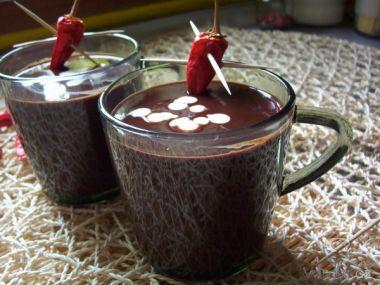 Horká krémová chilli čokoláda