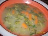 Polévka z brokolice, baby karotky a hrášku recept
