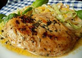 Kuřecí prsíčka špikovaná máslem a bylinkami recept