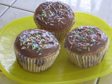 Muffíny plněné čokoládovým pudinkem